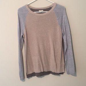 Color block lightweight sweater